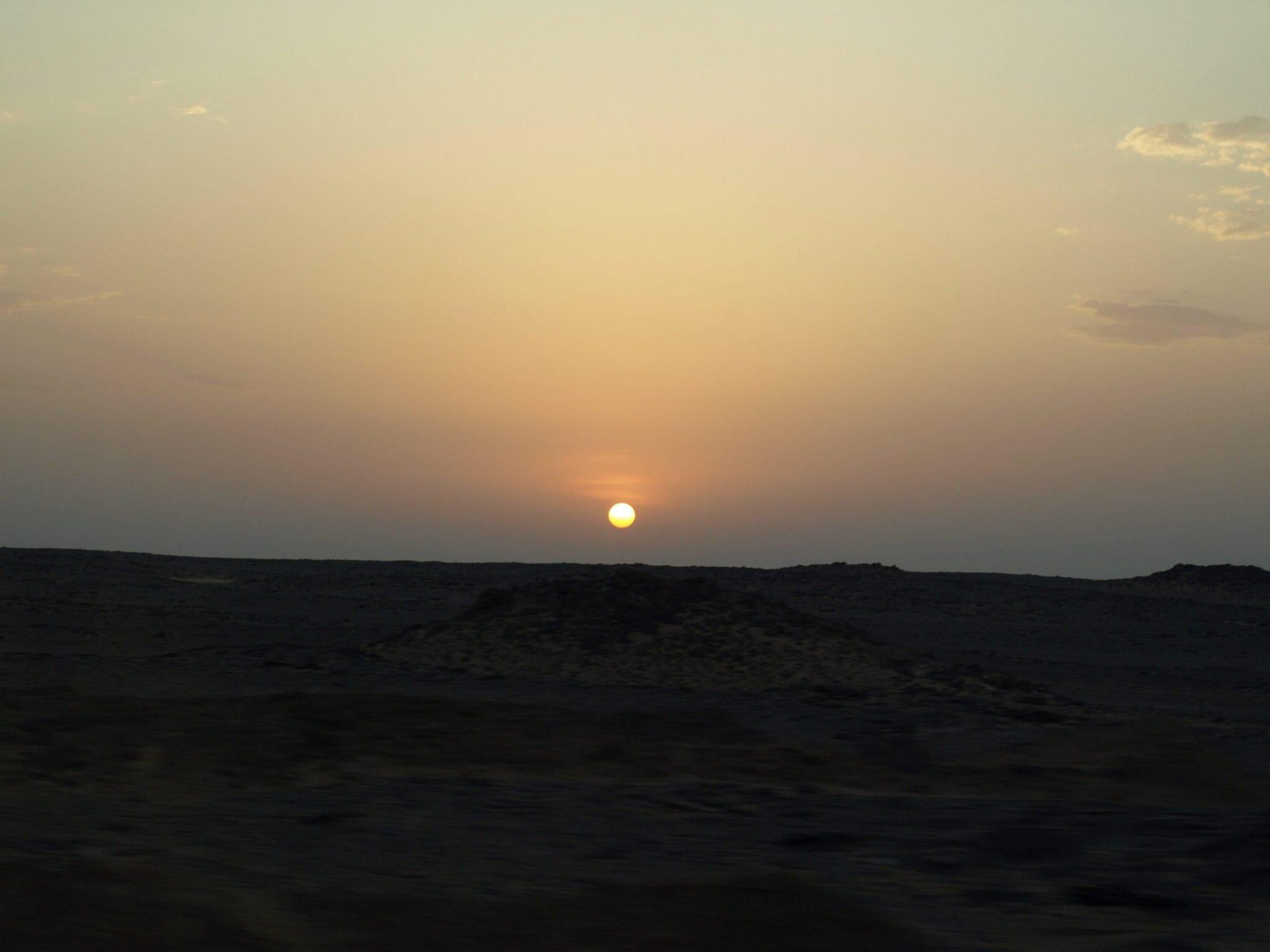 Amanecer camino de Abu Simbel